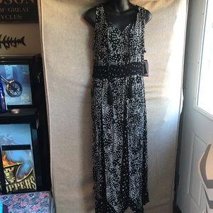 Beautiful NWT long maxi dress